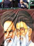 Ayatollah Chomeini und Ayatollah Chamenei, Foto: AP