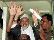 Abu Bakar Baasyir, geistliches Oberhaupt der Terrororganisation Jemaah Islamiyah; Foto: AP
