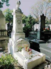 Grab von Heinrich Heine in Düsseldorf; Foto: dpa