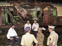 Anschlagsserie auf Pendlerzüge in Bombay vom 11.07.2006; Foto: AP