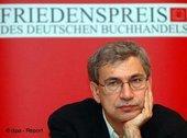 Orhan Pamuk am 22.10.05 auf der Frankfurter Buchmesse; Foto: dpa-Report