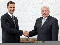 Frank-Walter Steinmeier mit dem syrischen Präsidenten Bashar al-Asad; Foto: AP