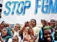 Demonstration somalischer Frauen in Mogadischu gegen die Beschneidung von Mädchen; Foto: AP