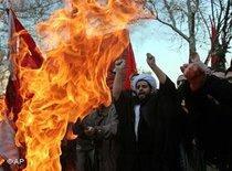 Proteste gegen Mohammed-Karikaturen in Teheran; Foto: AP