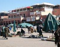 Der große Platz von Marrakesch; Foto: Larissa Bender