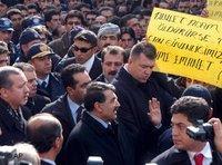 Erdogan in Semdinli; Foto: AP