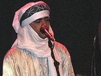 Abdallah Ag Alhousseyni, Gitarrist bei Tinariwen; Foto: Naima El Moussaoui