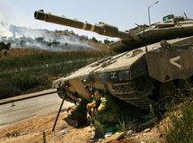 Israelische Panzer an der Grenze zum Libanon; Foto: AP