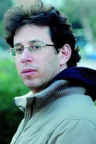 Assaf Gavron (photo: Moti Kikayon)