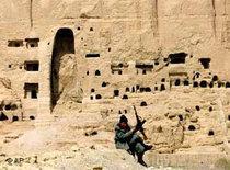 Zerstörte Buddha-Statuen in Bamiyan, Afghanistan; Foto: AP