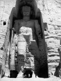 Bild der Buddha-Statue in Bamiyan von 1963 vor der Zerstörung durch die Taliban; Foto: UNESCO