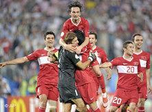 Das türkische Team beim Sieg gegen Kroatien; Foto: AP
