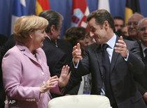 Angela Merkel und Nicolas Sarkozy auf dem Mittelmeer-Gipfel; Foto: AP