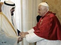 König Abdullah bei Papst Benedikt; Foto: AP