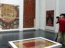 Wandteppiche im Museum für Islamische Kunst; Foto: AP