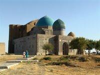 Grabmoschee von Hodscha Achmed Jassauwi im südkasachischen Turkistan; Foto: Edda Schlager