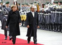 Jemens Präsident Ali Abdallah Saleh im Februar 2008 zum Staatsbesuch in Berlin mit Angela Merkel; Foto: AP