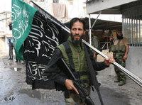 Palästinensischer Kämpfer im Süden Libaonons; Foto: AP