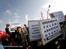 Proteste gegen den Ergenekon-Prozess; Foto: dpa