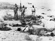 Hinrichtung von Oppositionellen durch Einheiten der Pasdaran im Dezember 1981; Foto: AP