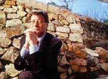Mahmoud Darwish (photo: AP)