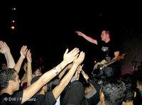 Schwarze Kleidung und harte Beats: Heavy Metal in Kario; Foto: Arian Fariborz