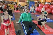 Recep Ivedik im Yoga-Club; Quelle: Kinostar