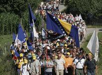 Gedenkmarsch für die Opfer des Massakers von Srebrenica; Foto: AP