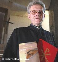 Pfarrer Franz Meurer; Foto: dpa