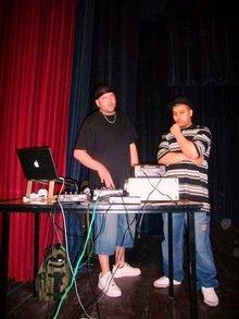 DJ SDAG, links, Muslim Zanka Flow, rechts; Foto: Alfred Hackensberger