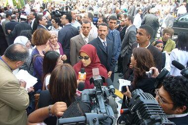Dalia Mogahed gibt Interviews für internationale Medienvertreter in Kairo; Foto: Amira El Ahl