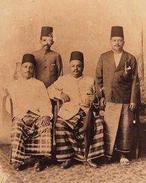 Historische Fotografie von einer Herren-Gruppe von Moors; Foto: Wikimedia Commons
