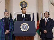 US-Präsident Obama, der afghanische Präsident Karzai und Pakistans Präsident Zardari während des Dreiergipfels in Washington; Foto: AP