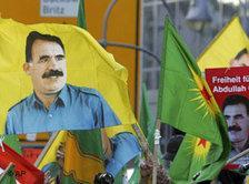 Kurden demonstrieren für die Freilassung von PKK-Führer Öcalan; Foto: AP