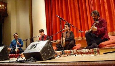 Mohammad-Resa Schadscharian bei einem Konzert in London; Foto: Wikipedia