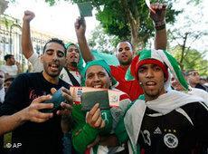 Algerische Fußballfans; Foto: AP