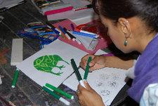 Schülerin während eines Design-Workshops im Townhouse; Foto: Amira El Ahl