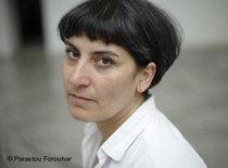 Porträtbild der iranischen Künstlerin Parastou Forouhar; Foto: Parastou Forouhar