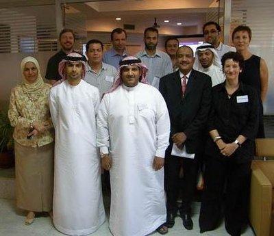 Gruppenfoto der Verlegerfortbildung in Abu Dhabi; Foto: Gabriele Rubner