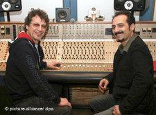 Farhad Darya bei einer Musik-Produktion; Foto: dpa
