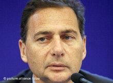 Frankreichs Einwanderungsminister Eric Besson; Foto: dpa