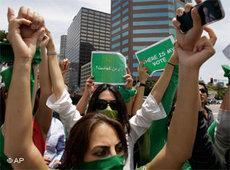 Demonstration der grünen Protestbewegung; Foto: AP
