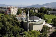 Blick auf die Minarette einer Moschee in Genf; Foto: dpa