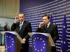 Der türkische Ministerpräsident Erdogan und EU-Kommissionspräsident Barroso in Brüssel; Foto: AP