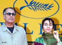 Abbas Kiarostami und Mania Akbari in Cannes; Foto: AP