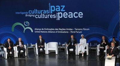 Gesprächsrunde des AoC Forums 2010; Foto: Wikipedia