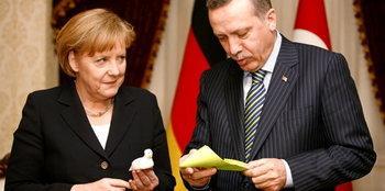 Merkel und Erdogan; Foto: AP