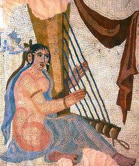 Harfistin - Sassanidisches Mosaik aus Bishapur, Louvre; Quelle: Wikipedia