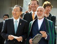 UN-Generalsekretär Ban Ki-Moon, der deutsche Außenminister Guido Westerwelle und der afghanische Präsident Hamid Karzai; Foto: dpa