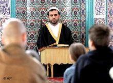 Muslime in einer Moschee in Gelsenkirchen; Foto: AP